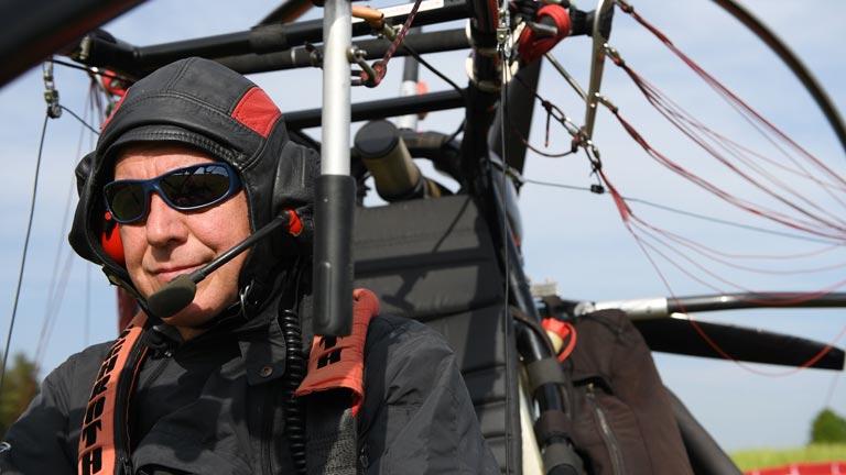 Unserer Pilot Martin Schaich ist seit 20 Jahren leidenschaftlicher Paraglider.
